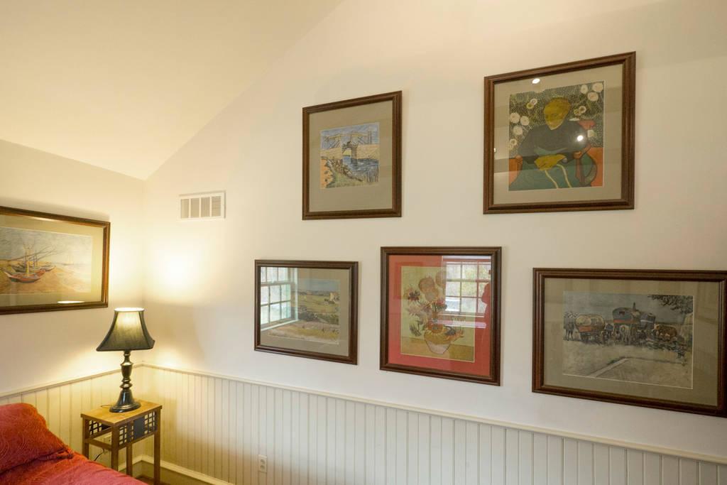 The Buck School Inn - Van Gogh Room